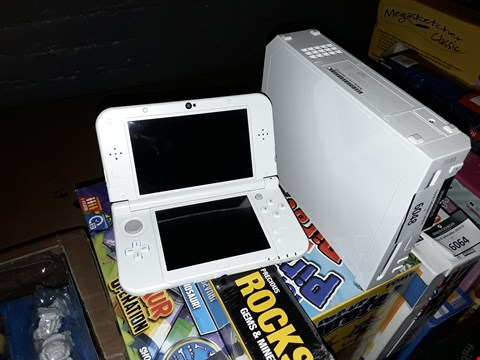 Lot 6048 NINTENDO WII AND 3DS XL WITHOUT ACCESSORIES