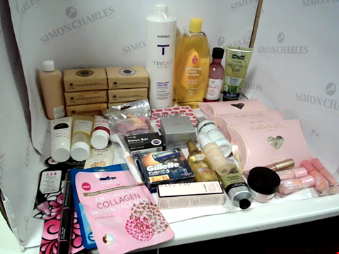 Lot 11001 LOT OF ASSORTED HEALTH & BEAUTY PRODUCTS TO INCLUDE: MONTIBELLO HAIR-LOSS CONTROL SHAMPOO, JOHNSON'S BABY SHAMPOO, LULLABELLZ HAIR EXTENSIONS, ASSORTED BATHROOM & MAKEUP PRODUCTS