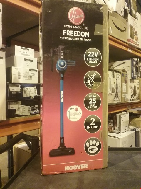 Lot 4007 HOOVER FREEDOM 2-IN-1 PETS CORDLESS STICK VACUUM CLEANER