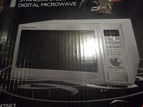 Lot 274 RUSSELL HOBBS FAMILY SIZE SILVER MICROWAVE