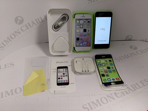 Lot 18322 APPLE IPHONE 5C 16GB SMART PHONE IN GREEN WITH SCREEN PROTECTOR AND SILICONE CASE