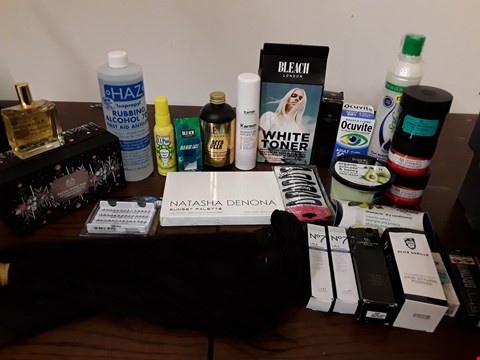 Lot 2135 BOX OF APPROXIMATELY 43 HEALTH AND BEAUTY ITEMS TO INCLUDE THE BODY SHOP FACIAL MASK DUO AND NO7 LIFT AND LUMINATE EYE CREAM