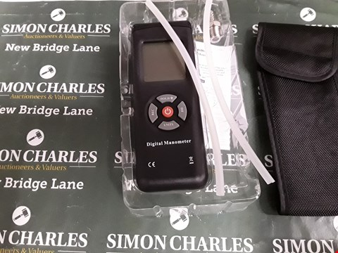 Lot 5199 BOXED DIGITAL MANOMETER WITH BLACK SOFT CASE