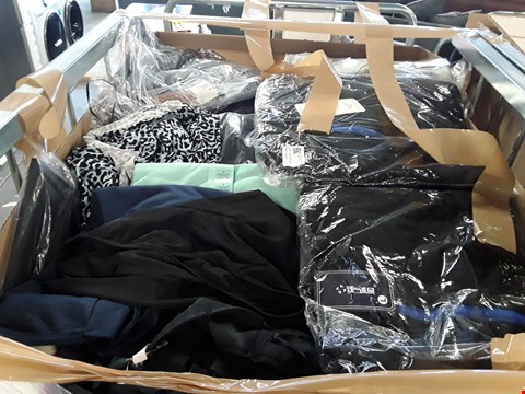 Lot 72 LARGE CAGE OF A SIGNIFICANT QUANTITY OF ASSORTED UNPROCESSED ADULT CLOTHING