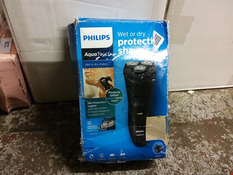 Lot 1125 BOXED PHILIPS AQUATOUCH SHAVER