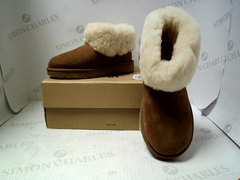 Lot 16115 BOXED PAIR OF DESIGNER UGG BOOTS - UK SIZE 4