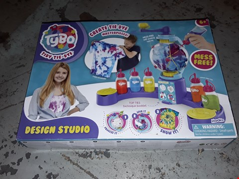 Lot 2162 LOT OF 3 GRADE 1 ASSORTED ITEMS TO INCLUDE TYBO TIE DYE DESIGN STUDIO, PERSONALISED CHRISTMAS SWEETIE BAG WITH STOCKING, PERSONALISED FAIRY SNOW GLOBE RRP £78
