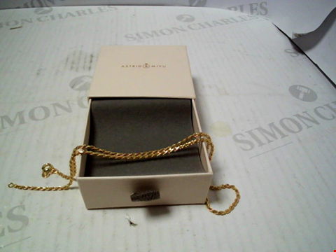 Lot 5749 DESIGNER YELLOW GOLD TONE NECKLACE