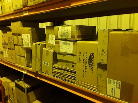 Lot 3085 SHELF OF APPROXIMATELY 29 BOXES OF ASSORTED CATERING & HOTEL WARE SUNDRIES