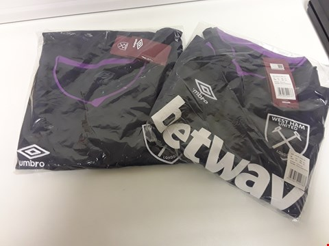 Lot 3385 BOX OF APPROXIMATELY 38 BAGGED UMBRO WEST HAM FC 3rd JERSEYS, ASSORTED SIZES, 3XL, XXL & XL