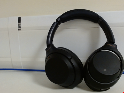 Lot 15071 SONY WH-1000XM3 WIRELESS NOISE CANCELLING HEADPHONES