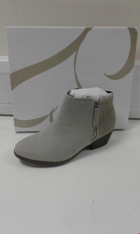 Lot 3001 BOXED ANDERSON 5 GREY MARL ANKLE BOOTS SIZE 6