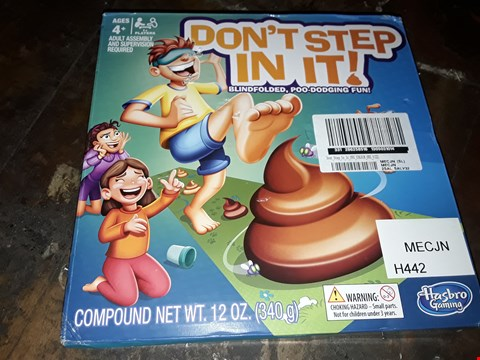 Lot 4083 BOXED DONT STEP IN IT GAME (1 BOX) RRP £25.99