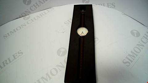 Lot 18056 DESIGNER BROWN LEATHER STRAP LADIES WRISTWATCH