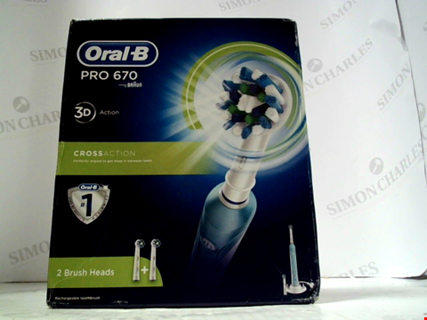Lot 5511 ORAL B PRO 670 CROSS ACTION ELECTRIC TOOTHBRUSH