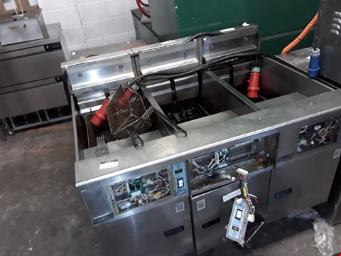 "Lot 8 PITCO 14"" TRIPLE ELECTRIC INDUSTRIAL FRIER - KF SE14R-S"