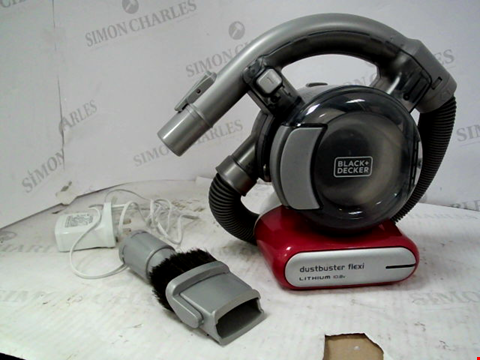 Lot 15262 BLACK+DECKER 10.8 V LITHIUM-ION FLEXI VACUUM