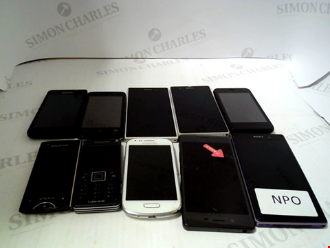 Lot 649 LOT OF APPROXIMATLEY 10 ASSORTED MOBILE PHONES AND SMARTPHONES ETC