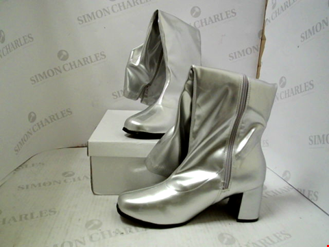 Lot 3028 PAIR OF DESIGNER SEXYCA SILVER HEELED BOOTS