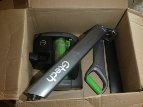 Lot 3215 GTECH AR20 AIR RAM 2 CORDLESS VACUUM CLEANER
