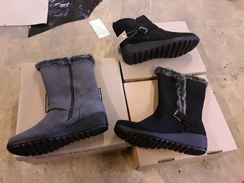 Lot 7655 LOT OF 22 ASSORTED CUSHION WALK SHOES TO INCLUDE DIAMANTE ANKLE BOOTS AND BUCKLED FUR LINED BOOTS