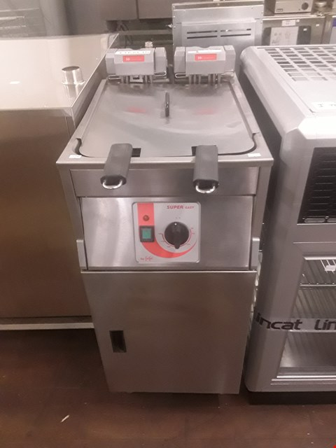 Lot 17 FRIFRI 651124/B510 SUPER EASY 411 FRYER 15.0KW 3BAC 400V RRP £4280