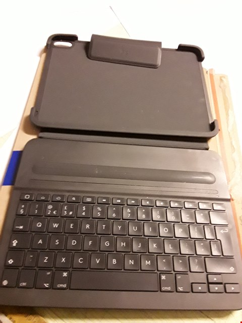 Lot 5014 LOGITECH SLIM FOLIO PRO BACKLIT BLUETOOTH KEYBOARD CASE FOR IPAD PRO 11 INCH
