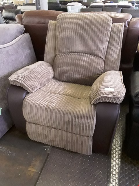 Lot 86 DESIGNER BROWN LEATHER & JUMBO CHORD POWER RECLINING EASY CHAIR RRP £380