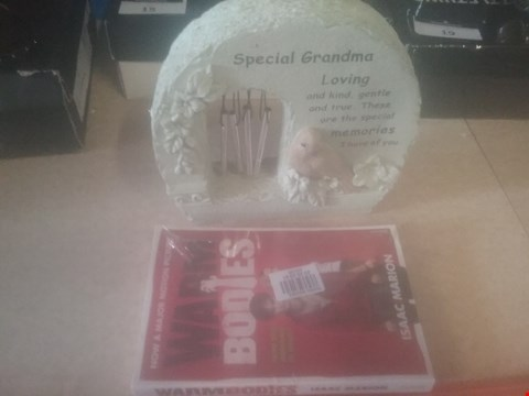 Lot 4079 LOT OF APPROXIMATELY 96 X MIXED ITEMS TO INCLUDE WARM BODIES BOOK AND WINDCHIME BIRD PLAQUE (4 BOXES)