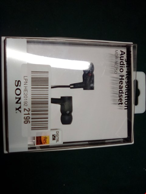 Lot 1010 SONY HIGH-RESOLUTION AUDIO HEADSET