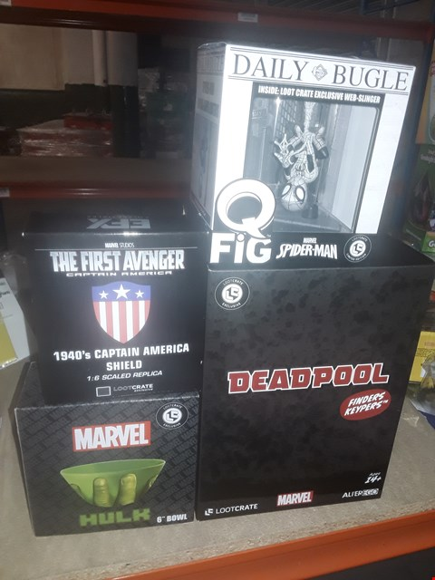 "Lot 303 4 ASSORTED MARVEL PRODUCTS TO INCLUDE; DEADPOOL FINDERS KEYPERS LOOT CRATE, HULK 6"" BOWL, CAPTAIN AMERICA 1940S SHIELD AND DAILY BUGLE LOOT CRATE EXCLUSIVE WEB SLINGER"