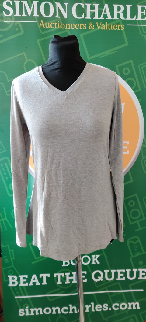 Lot 4090 H BY HALSTON GREY LONG SLEEVE TOP - SIZE XS