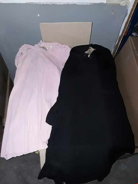Lot 354 BOX OF APPROXIMATELY 35 ASSORTED CLOTHING ITEMS TO INCLUDE BLACK RUFFLE SLEEVE TOP AND BLUSH PLEAT JUMPER