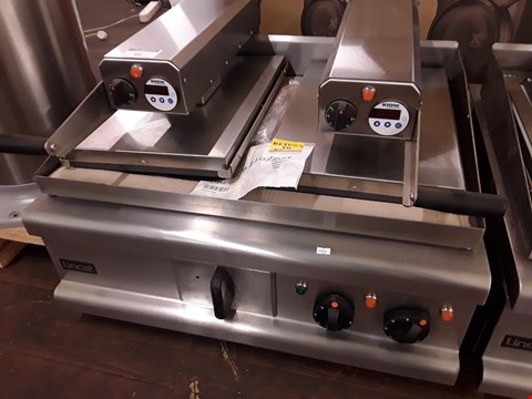 Lot 99 LINCAT 800MM WIDE DOUBLE ELECTRIC CLAM GRILL Model OE7210 RRP £7936