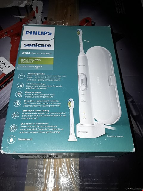 Lot 1082 PHILIPS SONICARE PROTECTIVECLEAN 6100 ELECTRIC TOOTHBRUSH WITH TRAVEL CASE, 3 X CLEANING MODES, 3 INTENSITIES - WHITE