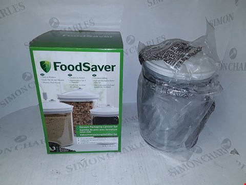 Lot 721 BOXED FOOD SAVER VACUUM PACKAGING CANISTER SET