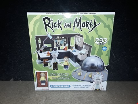 Lot 3024 RICK AND MORTY CONSTRUCTION SETS
