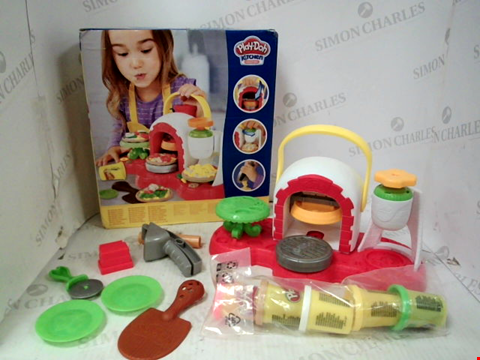 Lot 10047 PLAY-DOH STAMP 'N TOP PIZZA OVEN TOY RRP £25.00