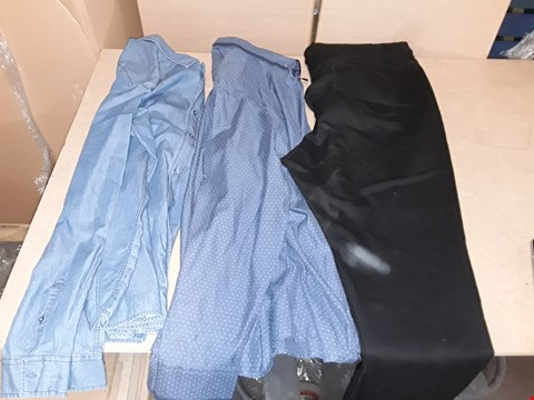 Lot 9379 3 BOXES OF APPROXIMATELY 76 ASSORTED CLOTHING ITEMS INCLUDING BLACK LUCY SKINNY JEANS, INDIGO FLINTOFF CHAM SHIRT AND BLUE DOT PATTERN SHIRT - VARIOUS SIZES