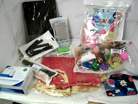 Lot 10186 LOT OF A SIGNIFICANT QUANTITY OF ASSORTED HOUSEHOLD ITEMS, TO INCLUDE SEVERAL PHONE/TABLET CASES, CAT TOY SELECTION, DESIGNER LUGGAGE TAGS ETC
