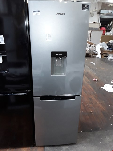 Lot 11049 SAMSUNG RB29FWRNDSA 60CMFROST FREE 70/30 FRIDGE FREEZER IN SILVER