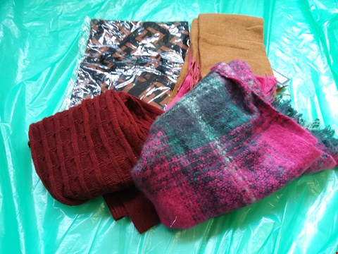 Lot 6101 APPROXIMATELY 8 ASSORTED SCARVES