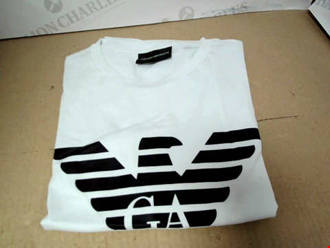 Lot 7118 EMPORIO ARMANI EAGLE LOGO PRINT WHITE T-SHIRT - SIZE MEDIUM