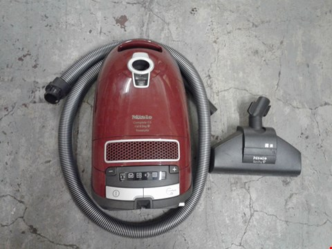 Lot 8315 MIELE COMPLETE C3 POWERLINE VACUUM CLEANER