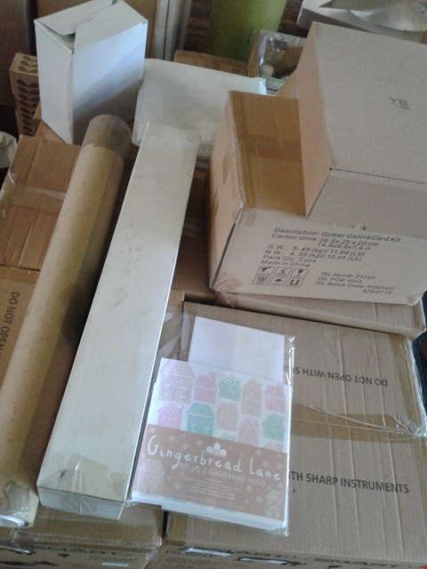 Lot 850 A PALLET OF ASSORTED CRAFT ITEMS