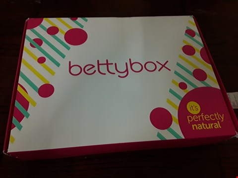 Lot 7042 BOXED BETTY BOX ITS PERFECTLY NATURAL GIFT SET