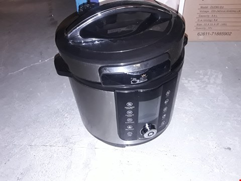 Lot 12736 INSTANT POT 7 IN 1 PRESSURE COOKER