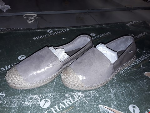 Lot 12329 BOXED MODA IN PELLE ESPECIAL TAUPE METALLIC LEATHER ESPADRILLE SLIP ON UK SIZE 4.5