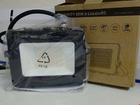 Lot 6560 INIFINITY 30W 3 COLOUR OUTDOOR FLOOD LIGHT