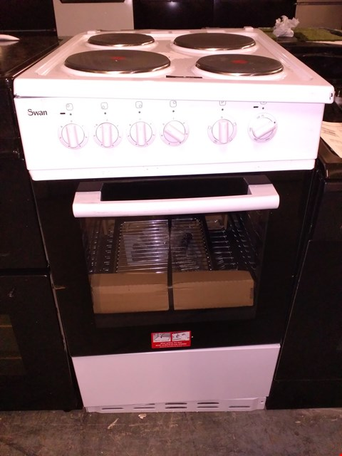 Lot 37 SWAN SX1011W 50CM SINGLE OVEN ELECTRIC COOKER